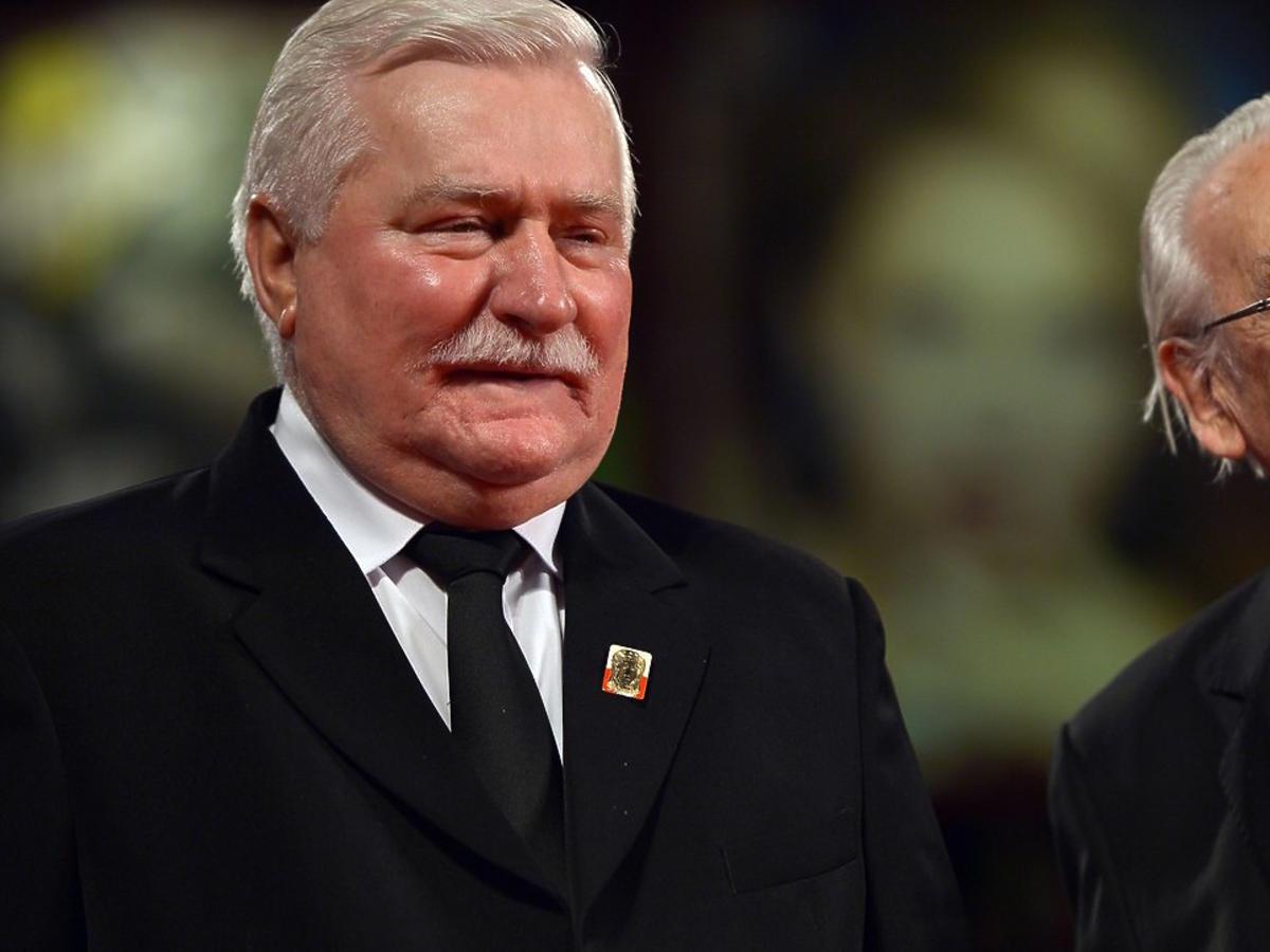 """Lech Wałęsa o śmierci Wajdy: """"Niedługo się spotkamy. Już spakowany jestem"""""""