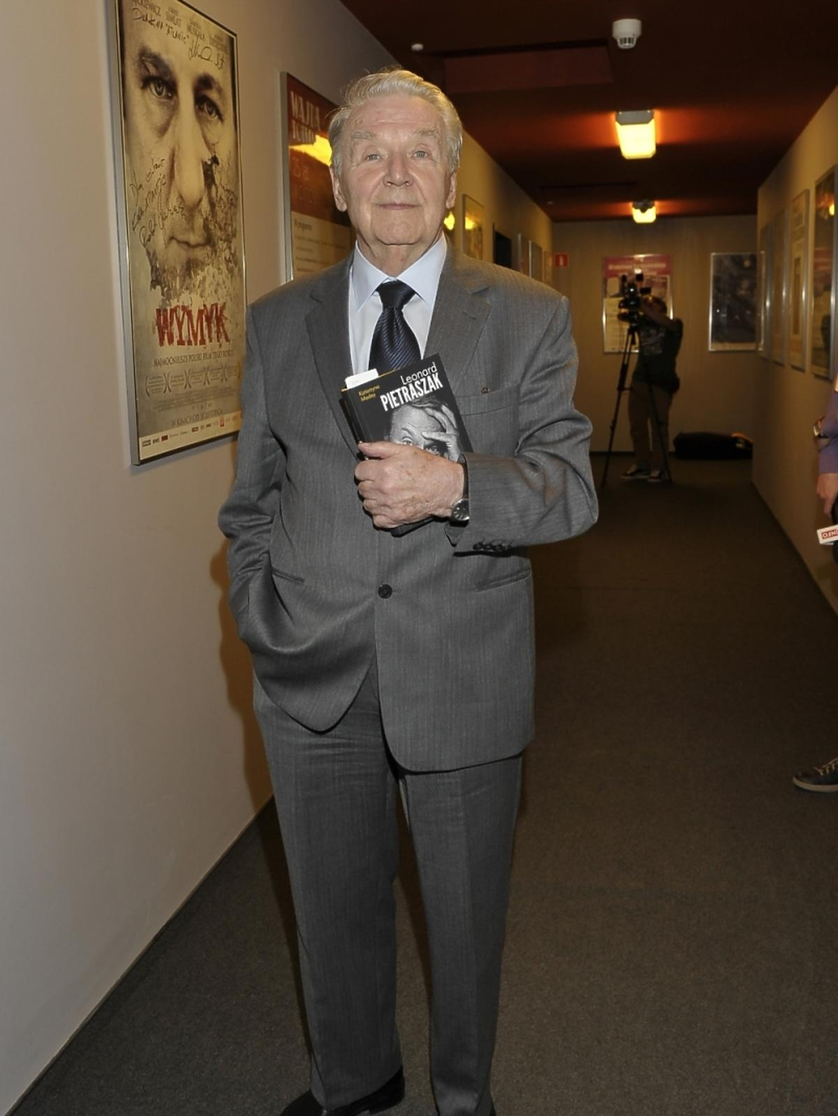 Leonard Pietraszaka na premierze książki Leonarda Pietraszaka