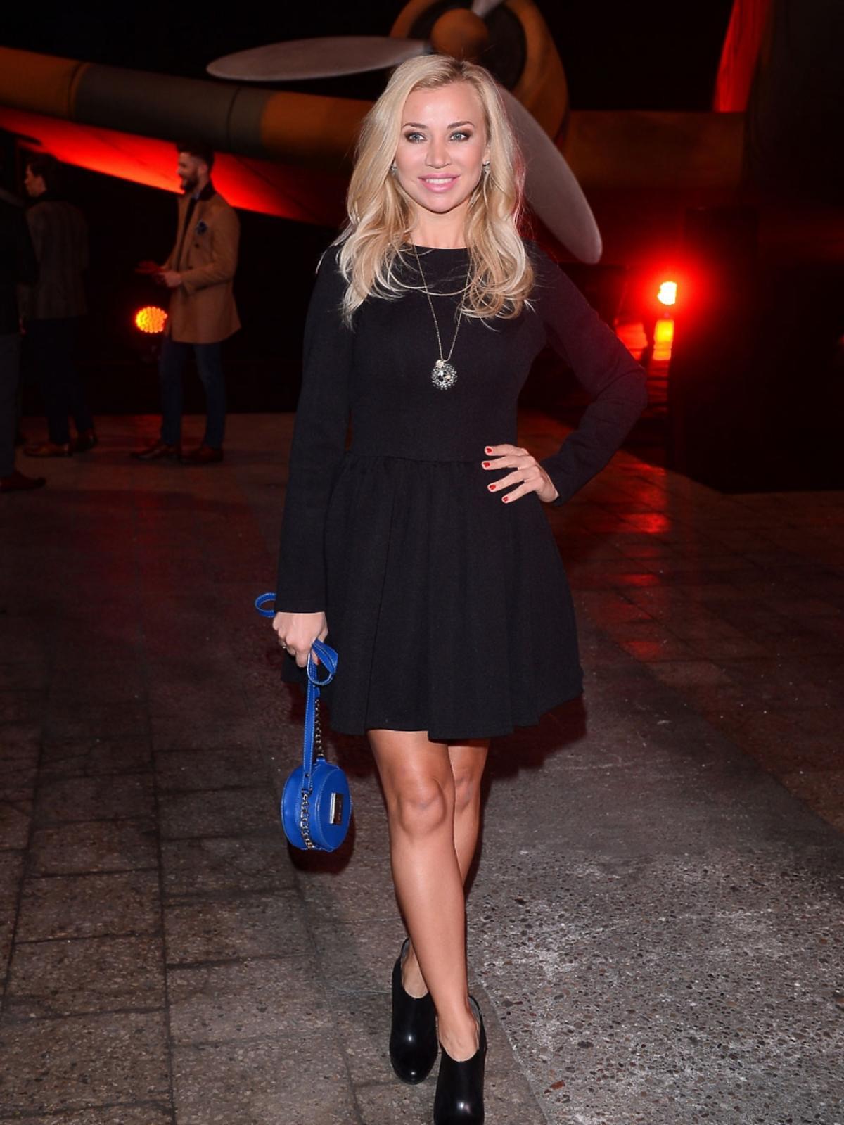 Lidia Kopania w czarnej sukience