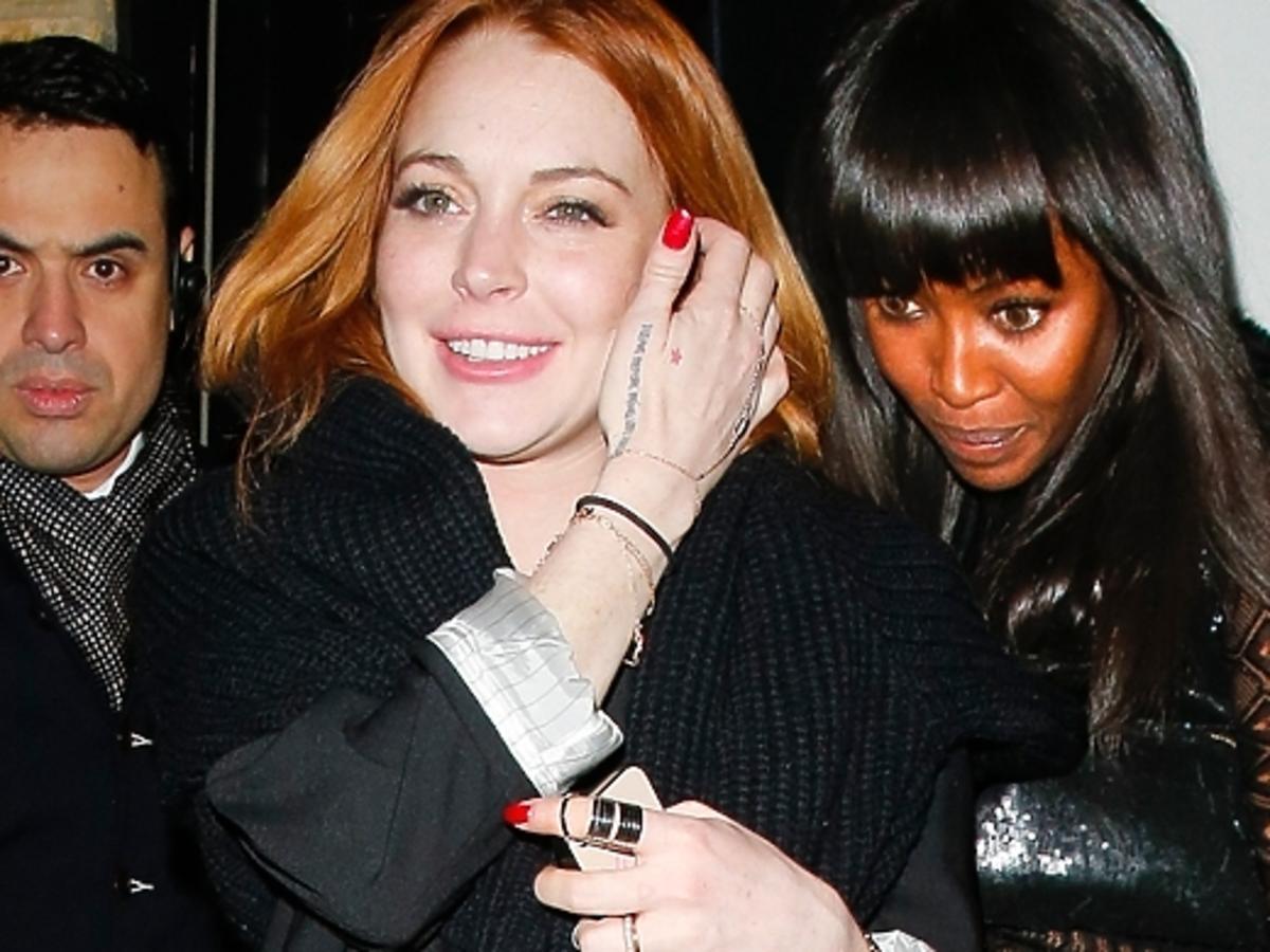 Lindsay Lohan i Naomi Campbell wracaja z klubu Firehouse w Londynie