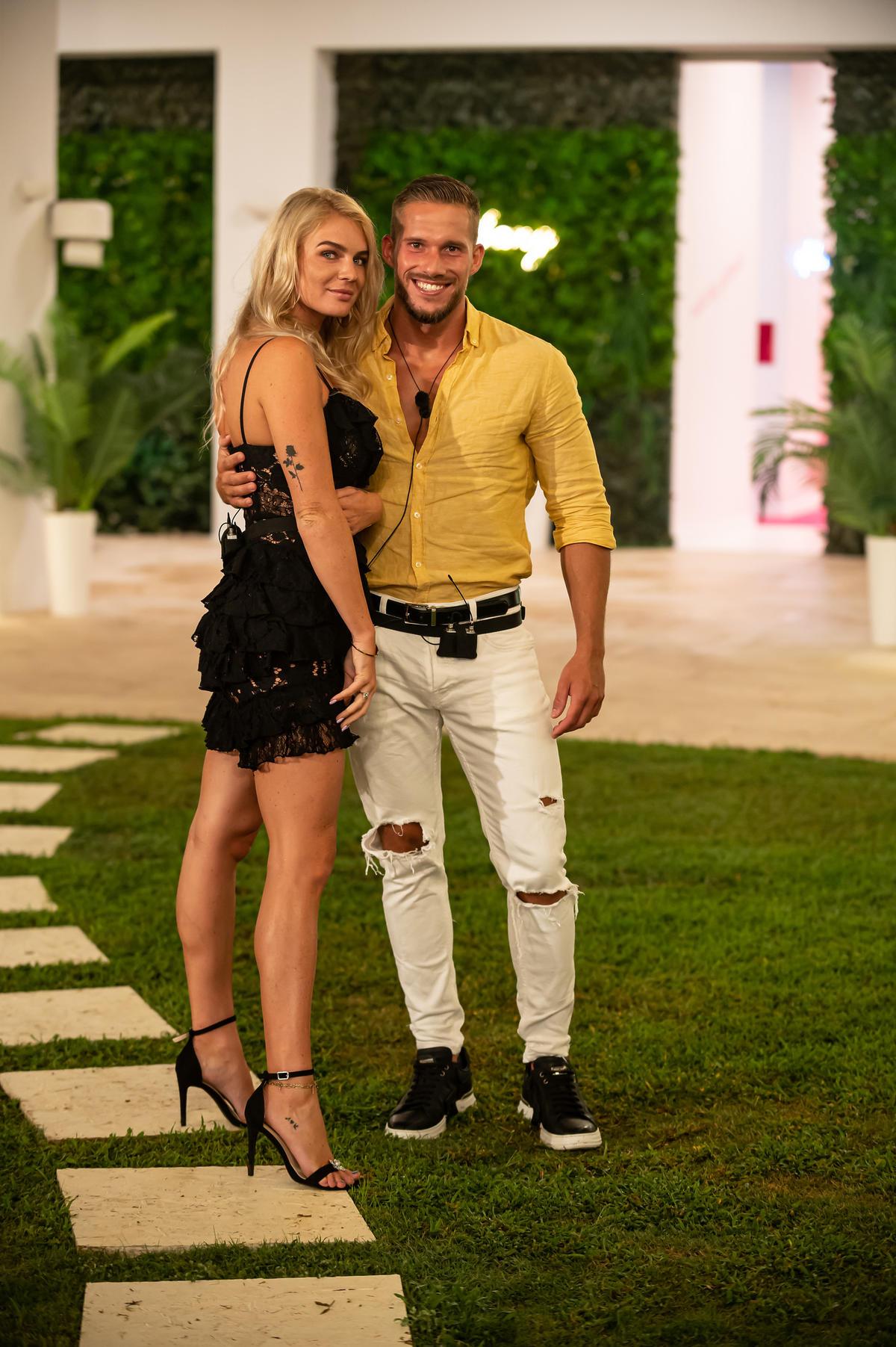 Love Island: Magda i Wiktor udają zakochanych?