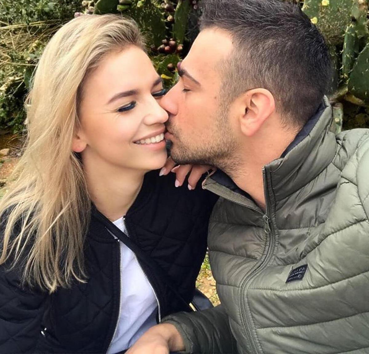 Łukasz całuje Oliwię ze Ślubu od pierwszego wejrzenia