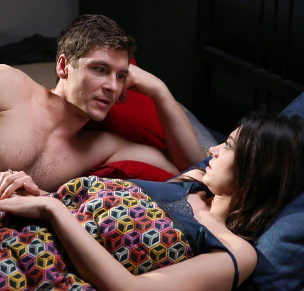 M jak miłość Iza i Marcin w łóżku