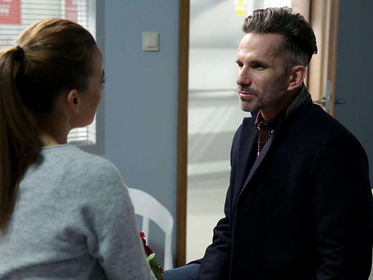 M jak miłość - Kamil odwiedza Magdę w szpitalu