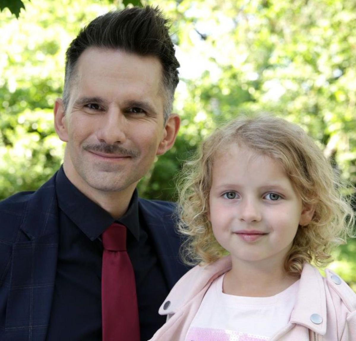M jak miłość Kamil z córką