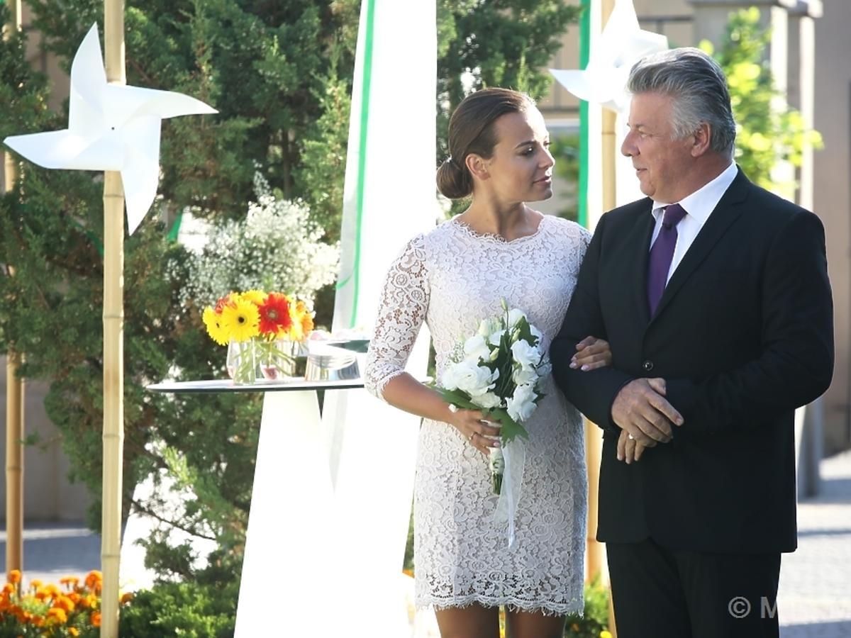 M jak Miłość odcinek 1185 Anna Muchaw sukni ślubnej , Emilian kamiński