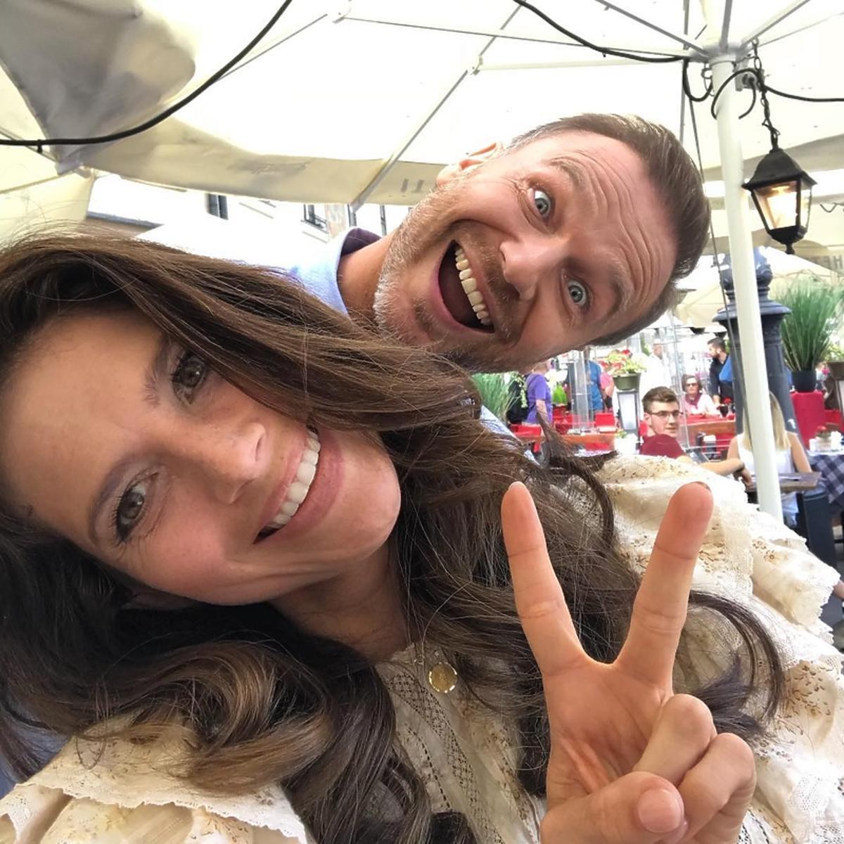 M jak miłość - Weronika Rosati i Krystian Wieczorek na planie