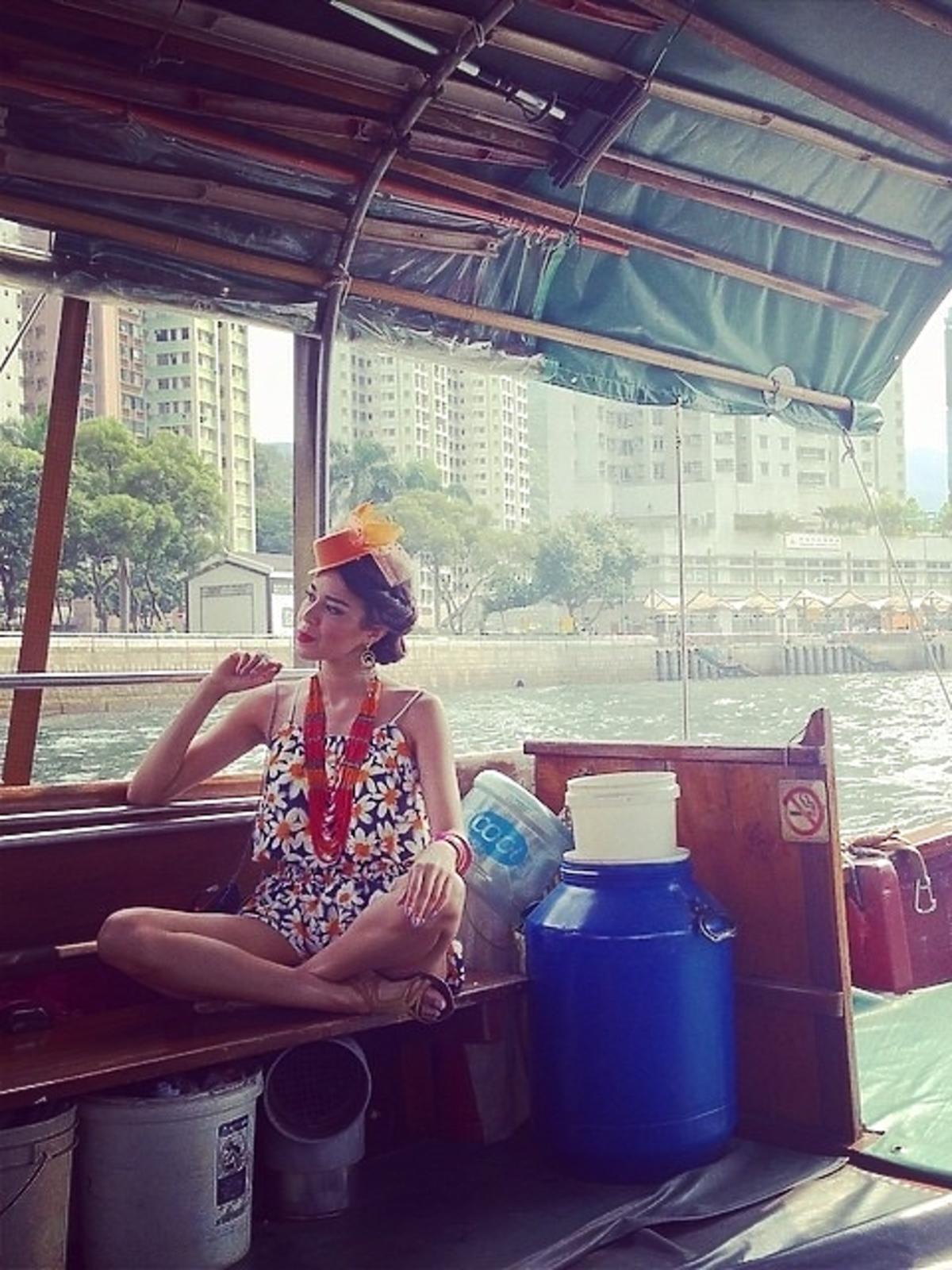 Macademian Girl w Chinach
