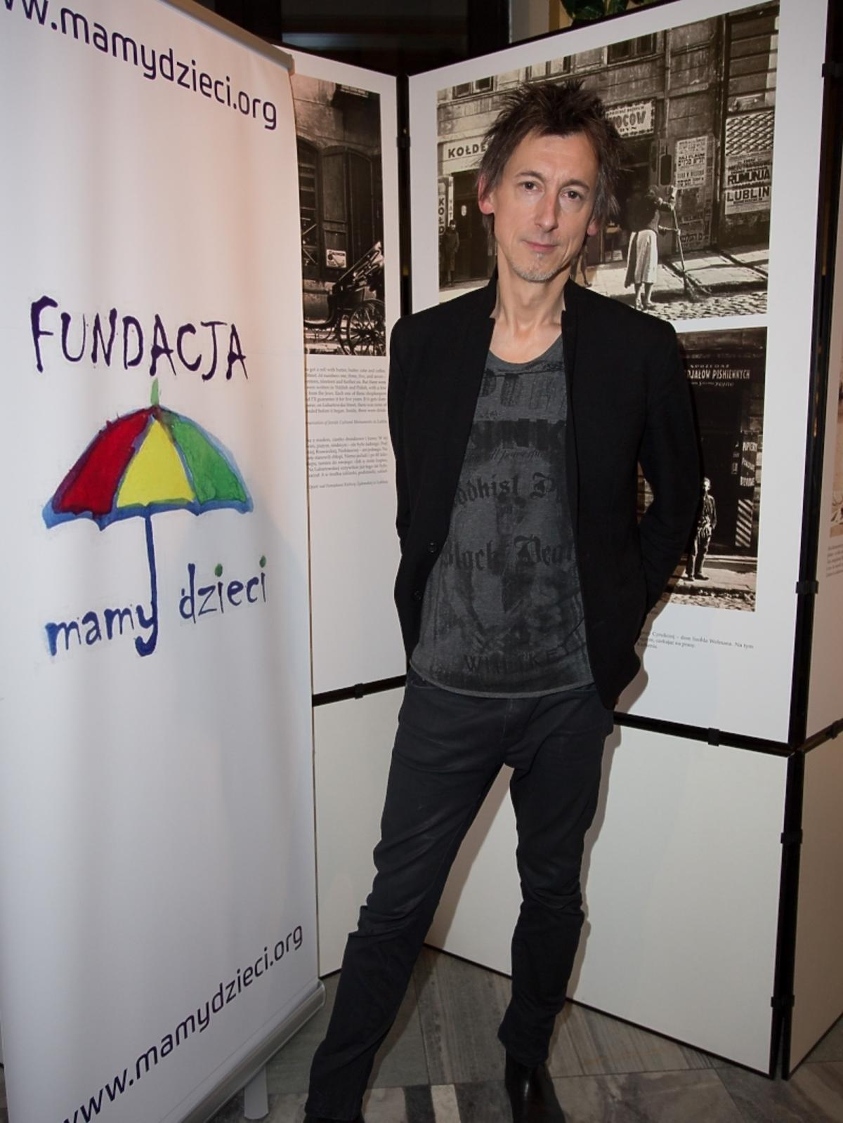 Maciej Miecznikowski na koncercie fundacji