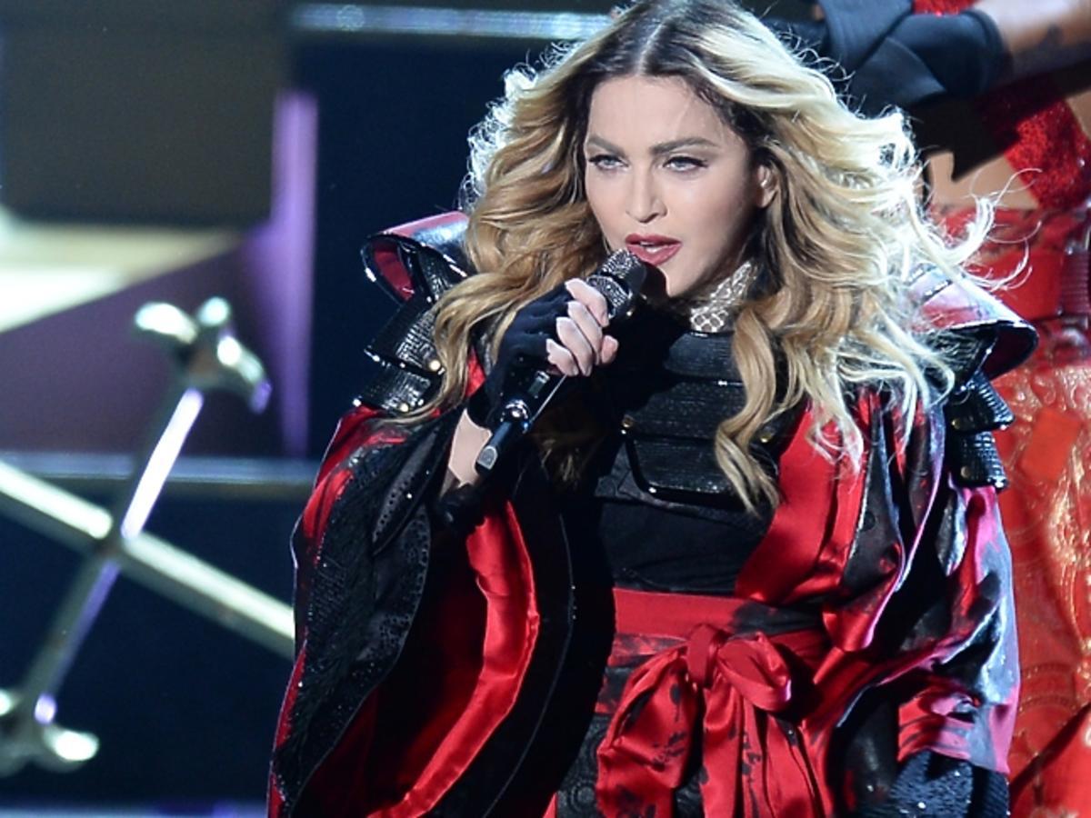 Madonna rozebrała swoją fankę na koncercie