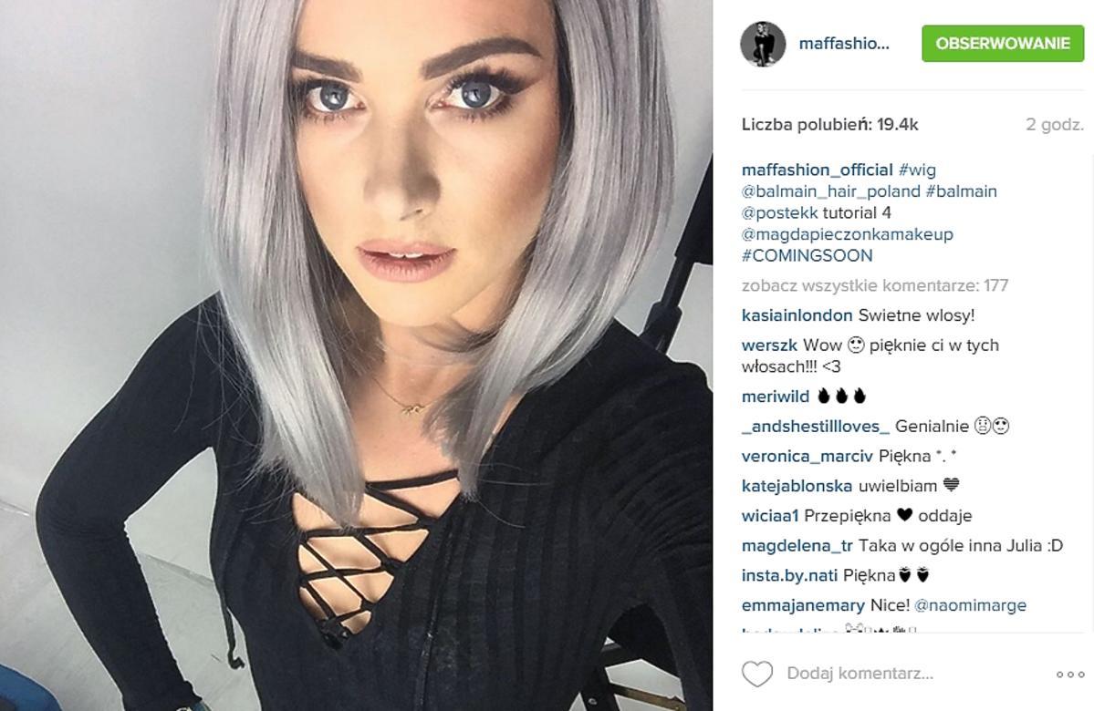 Maffashion w siwych włosach