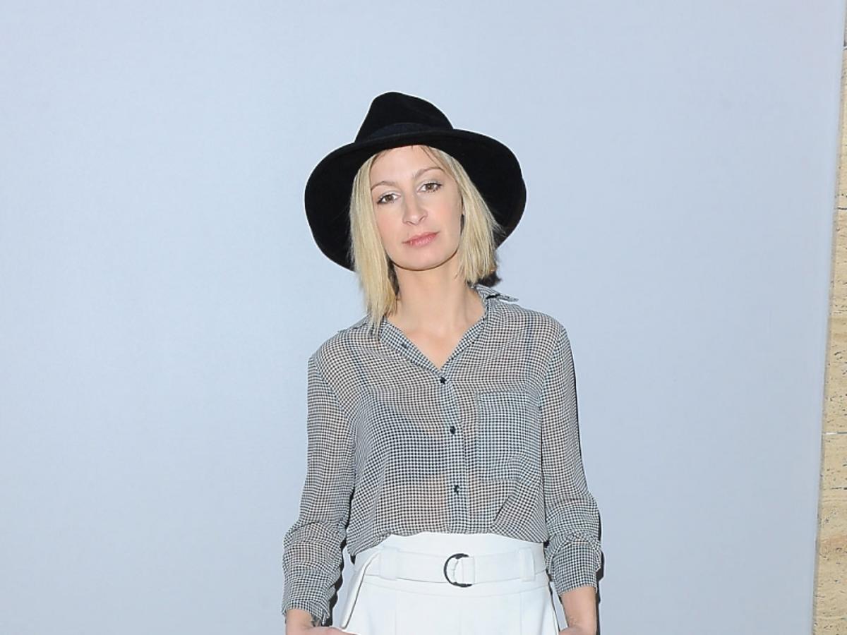 Magda Schejbal w czarnym kapeluszu