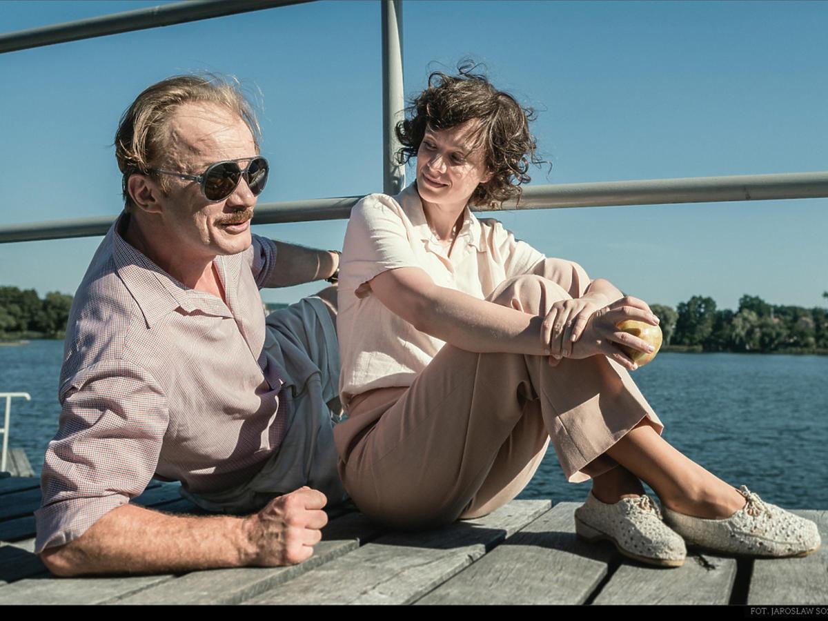 Magdalena Boczarska i Eryk Lubos w filmie Sztuka kochania