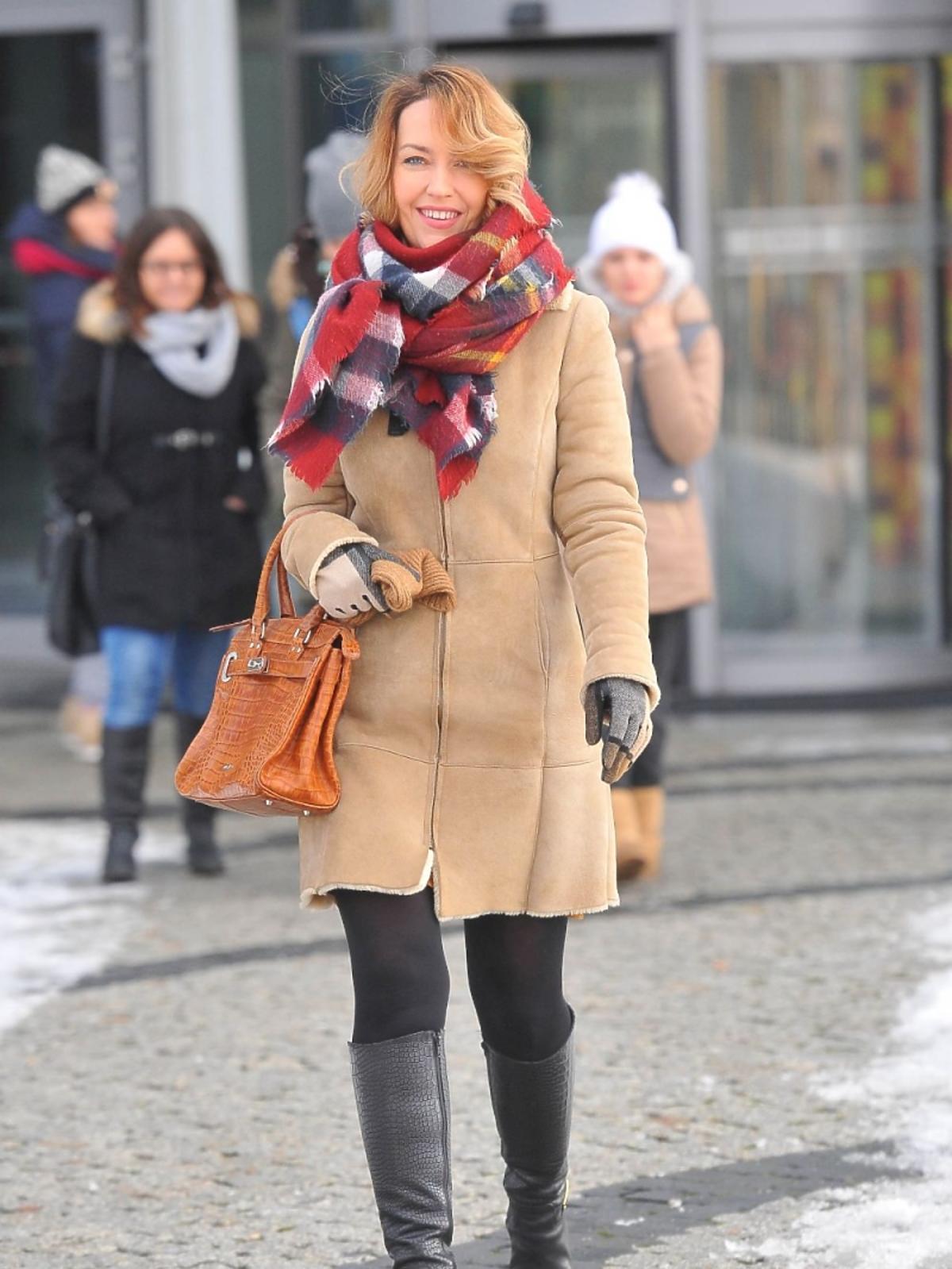 Magdalena Waligórska pod studiem TVP