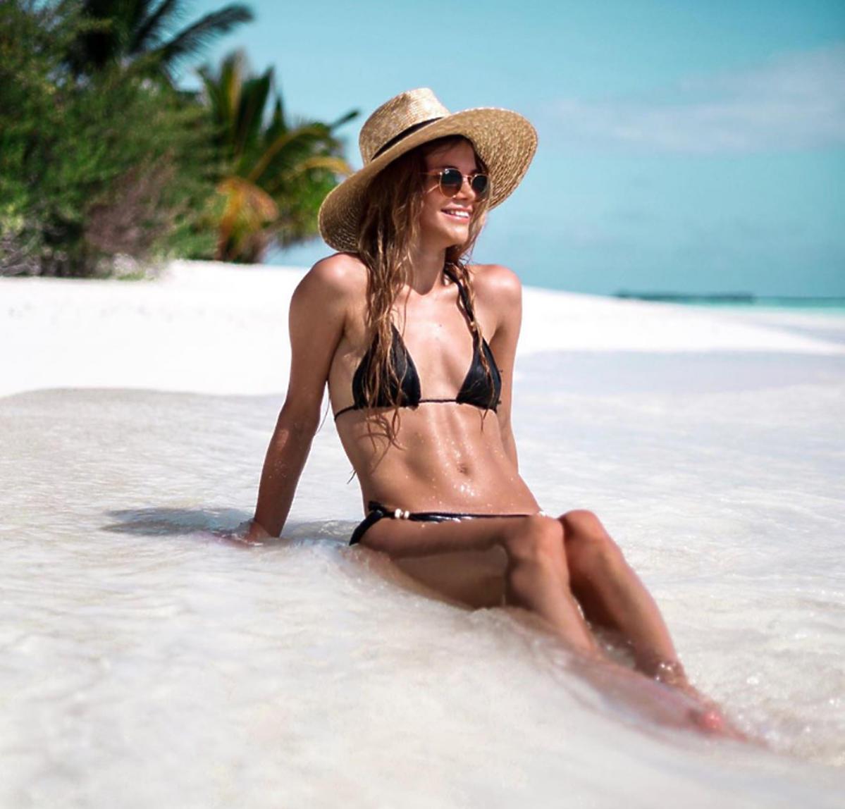 Maja Bohosiewicz w czarnym bikini