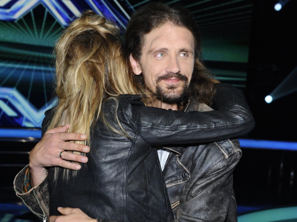 Maja Sablewska przytula Gienka Loskę w programie X Factor