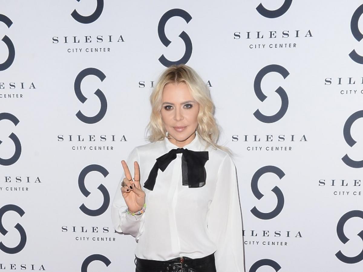 Maja Sablewska w białej koszuli