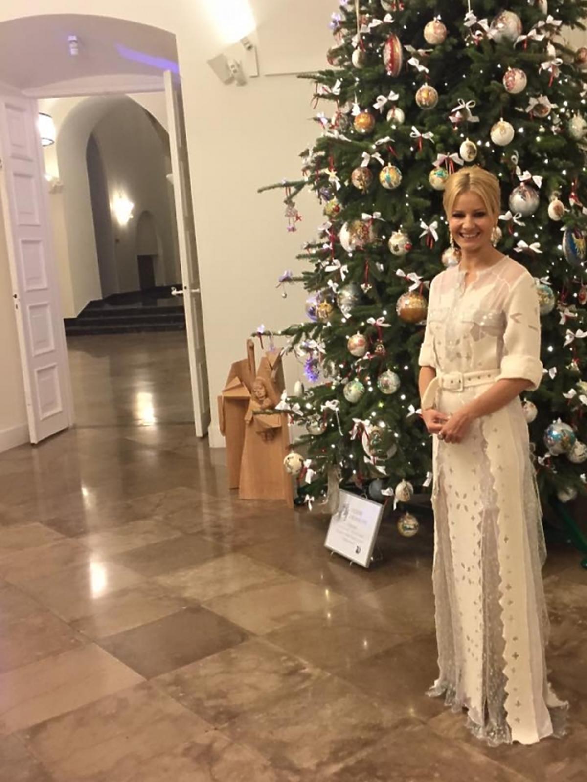 Małgorzata Kożuchowska w białej sukni