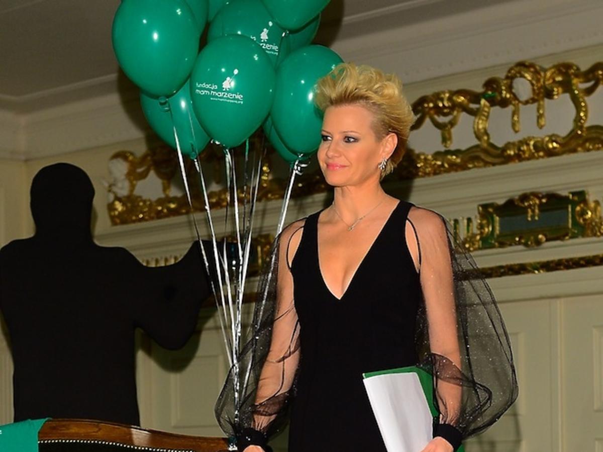 Małgorzata Kożuchowska w czarnej sukni poprowadziła licytację dla Fundacji Mam Marzenie