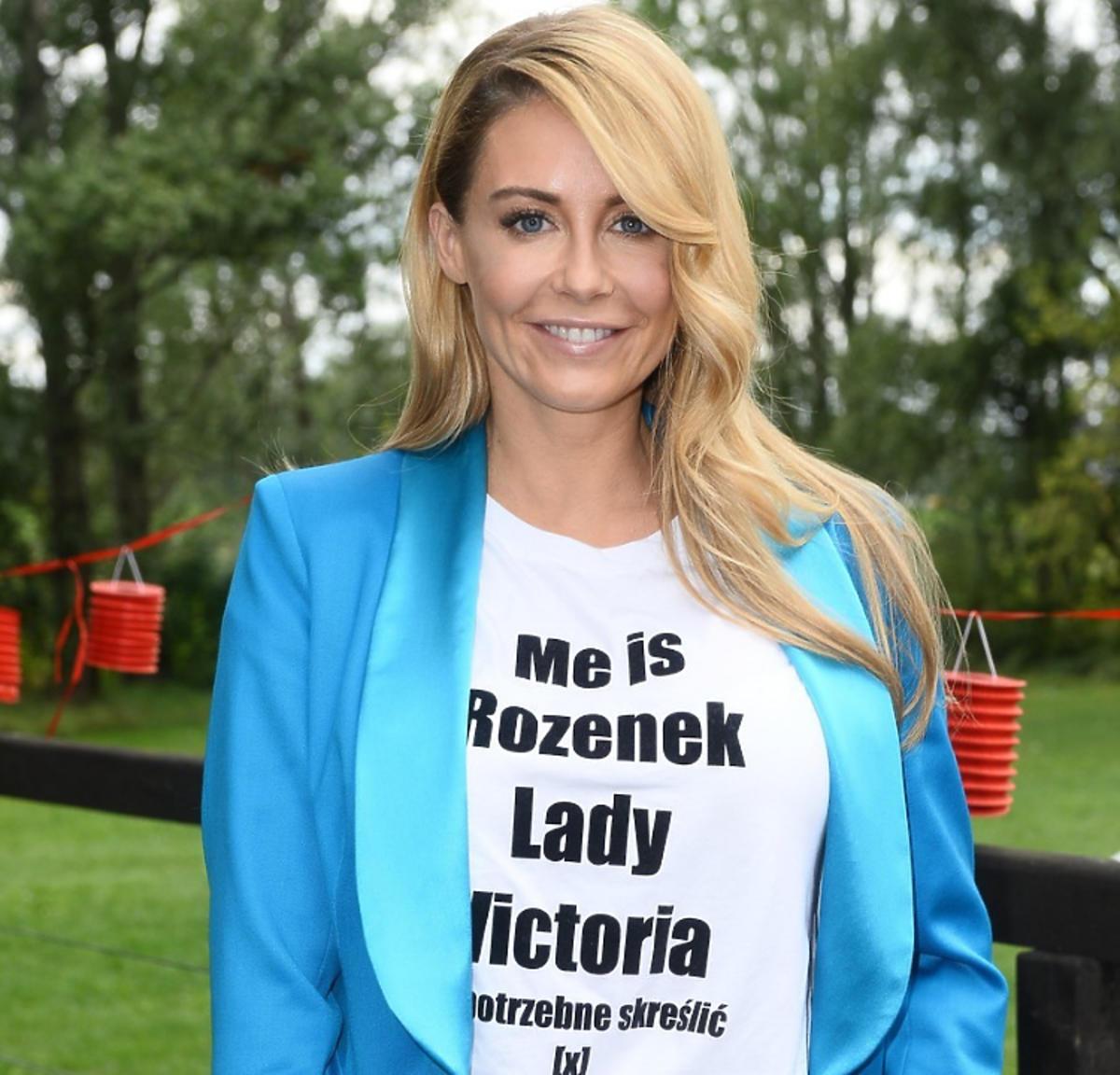 Małgorzata Rozenek-Majdan w koszulce Lady Victoria