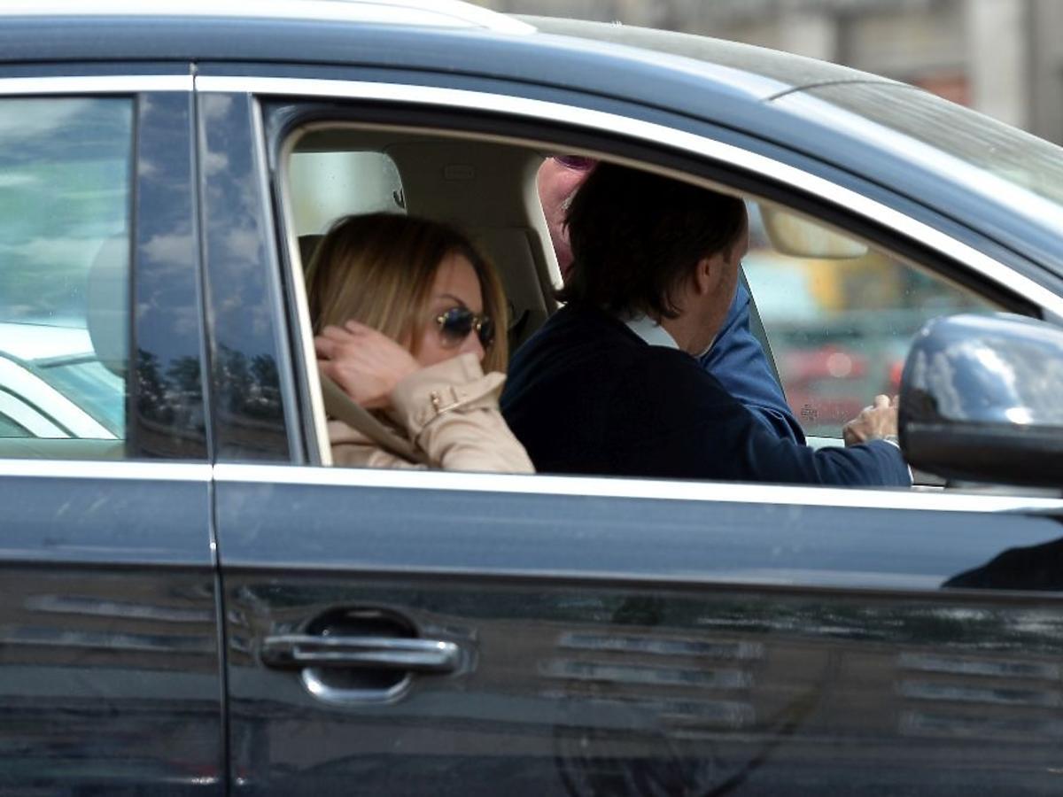Małgorzata Rozenek, Radek Majdan w samochodzie Audi