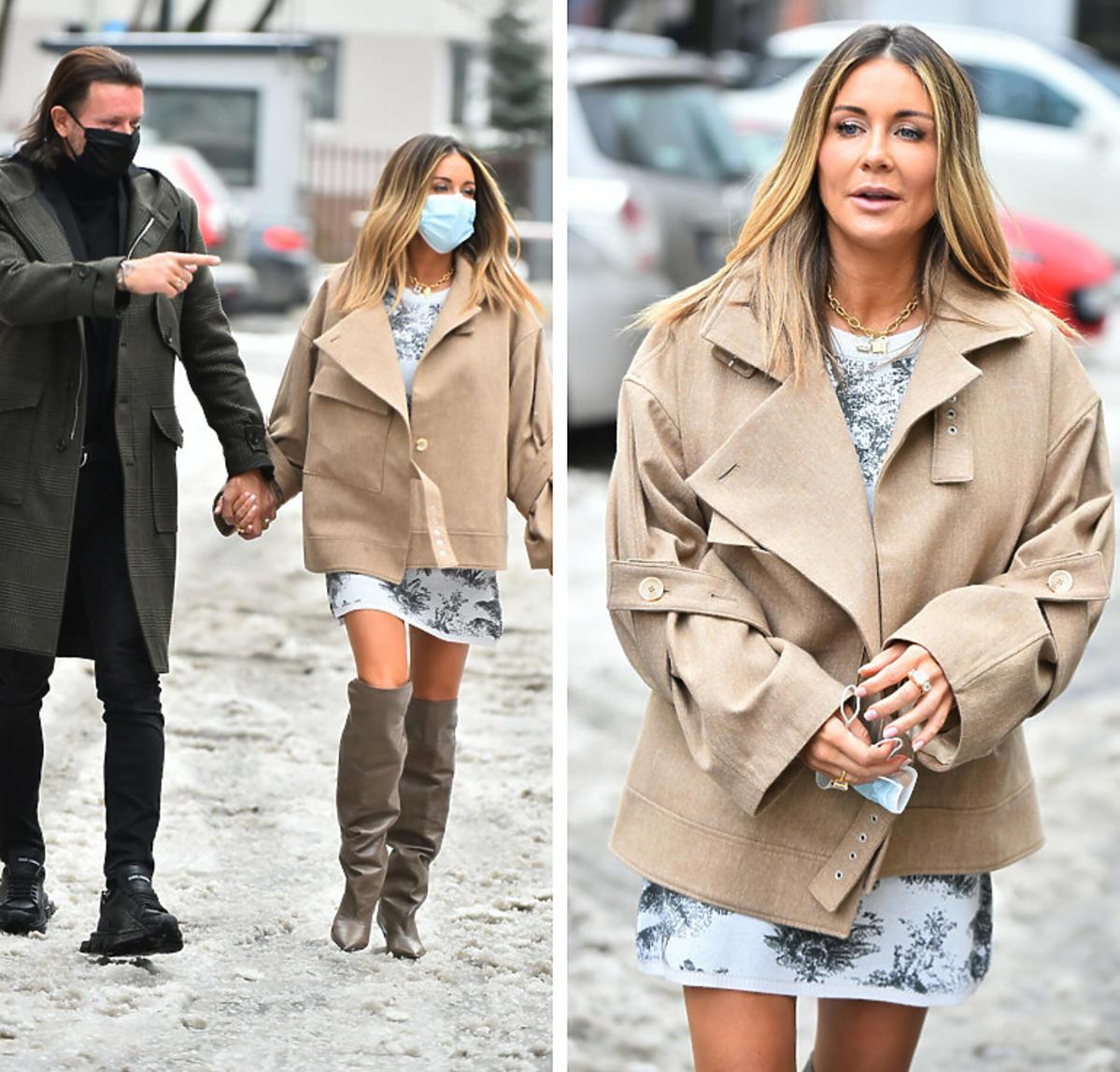 Małgorzata Rozenek w beżowym płaszczu i kozakach