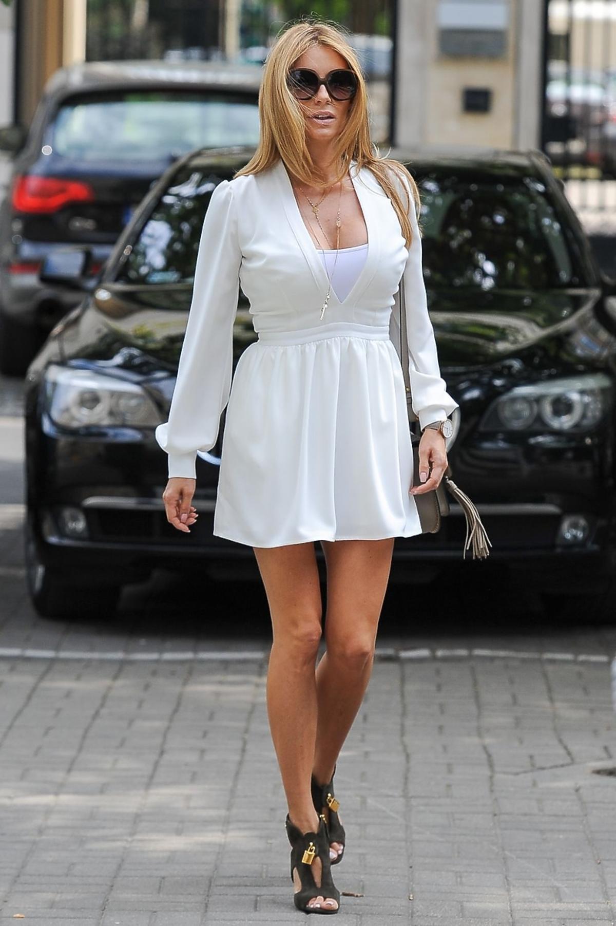Małgorzata Rozenek w białej sukience