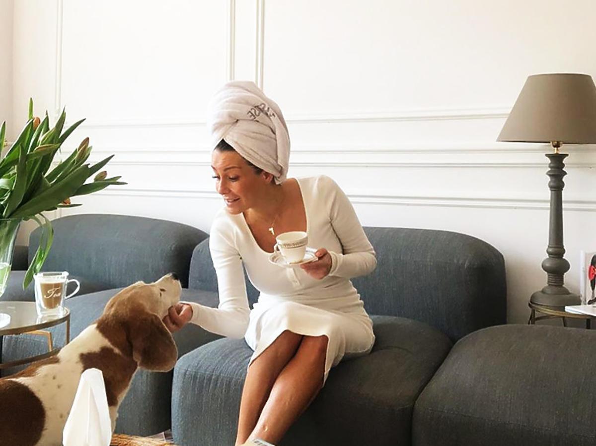 Małgorzata Rozenek w białej sukience Nudyess