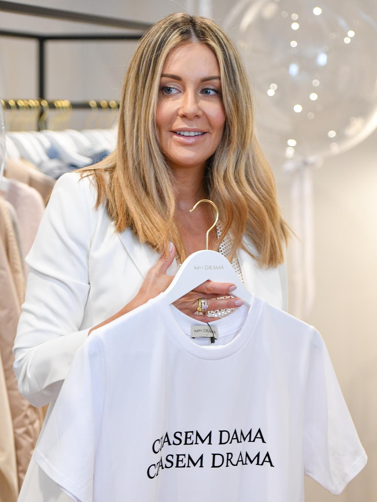 Małgorzata Rozenek w białym garniturze
