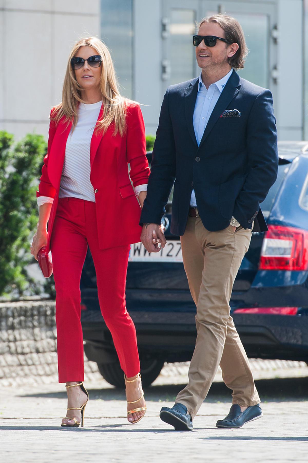 Małgorzata Rozenek w czerwonym garniturze