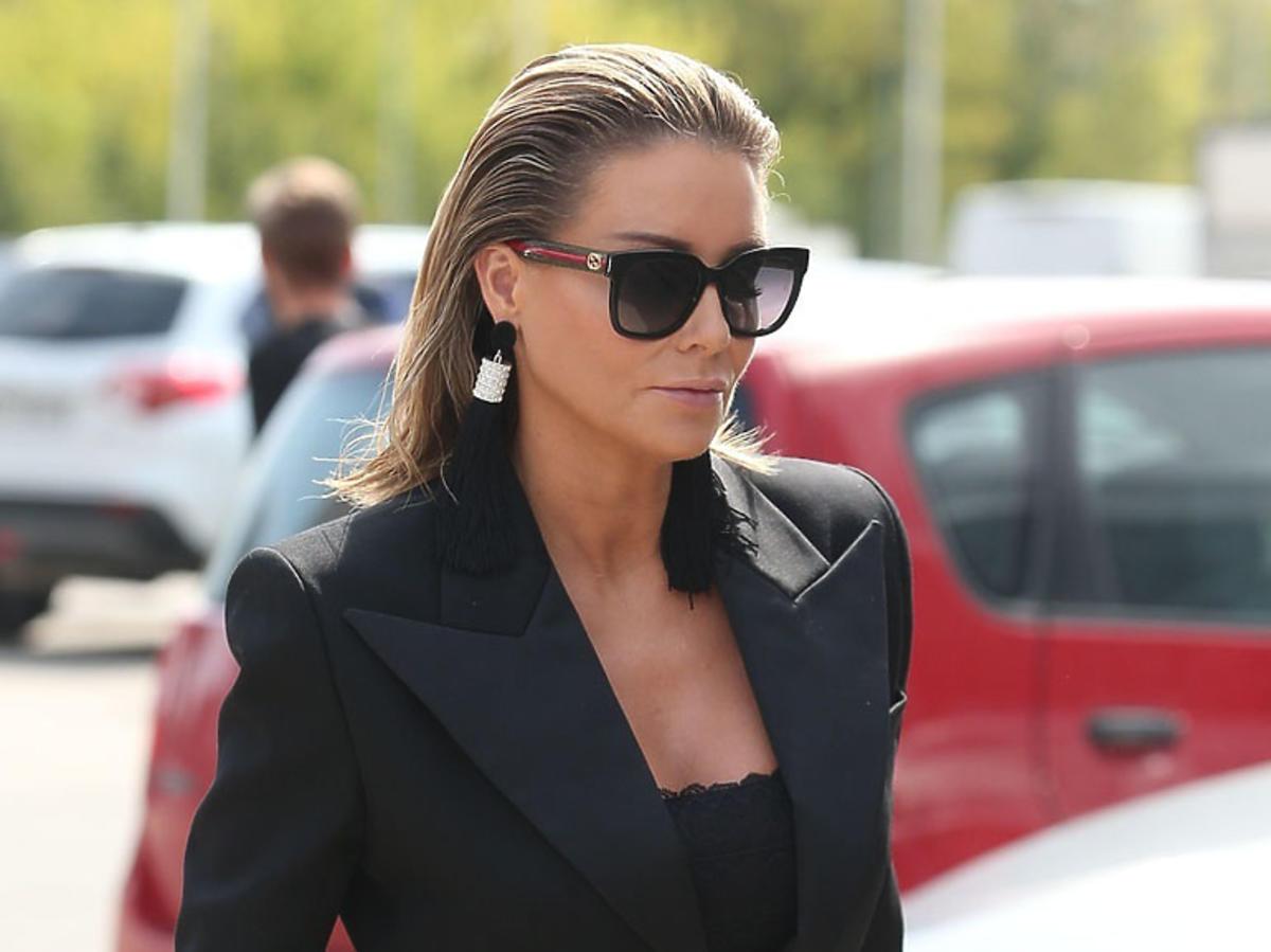 Małgorzata Rozenek w dużych okularach przeciwsłonecznych