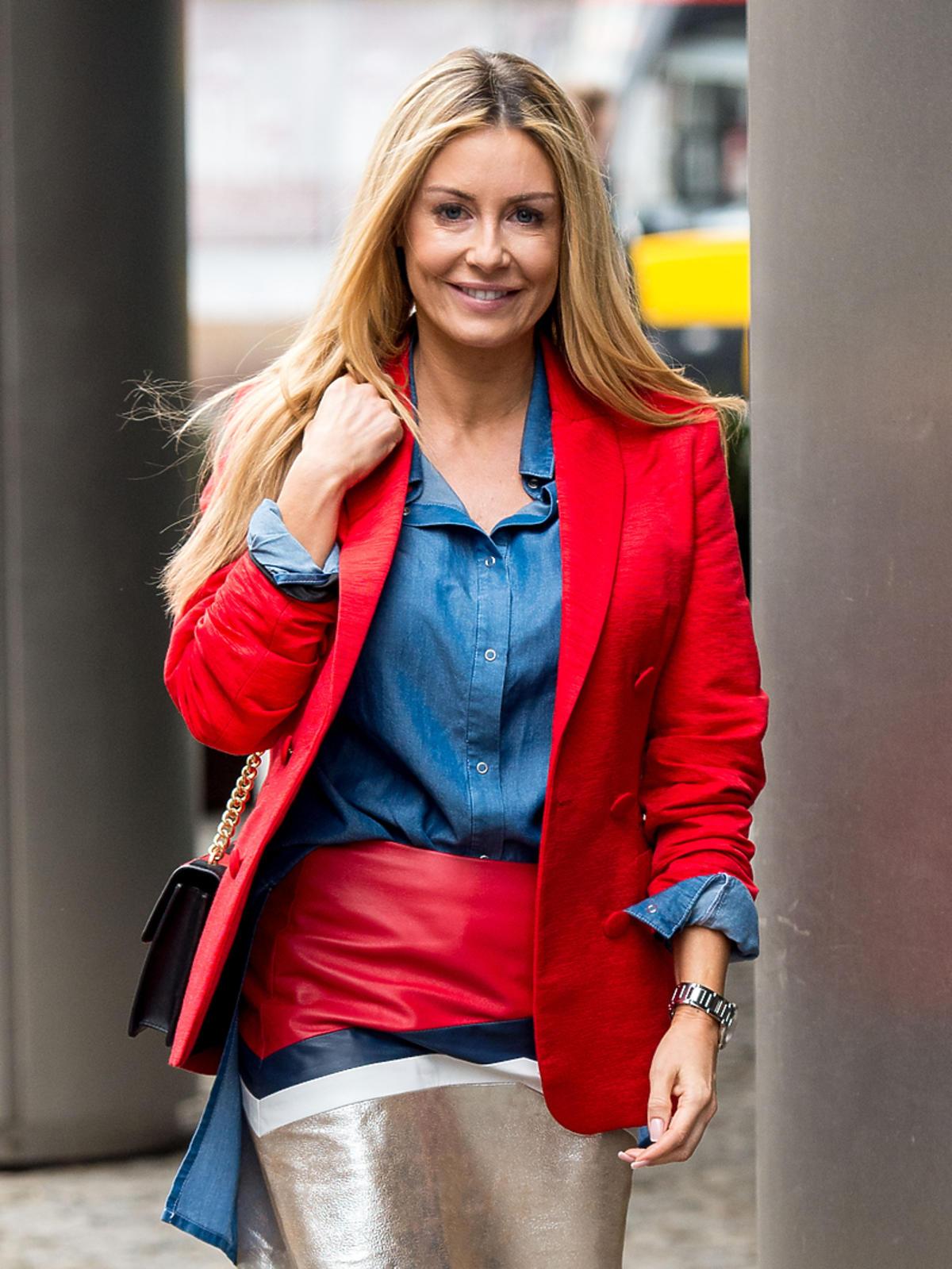 Małgorzata Rozenek w dżinsowej koszuli