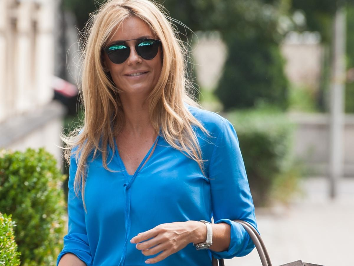 Małgorzata Rozenek w niebieskiej bluzce