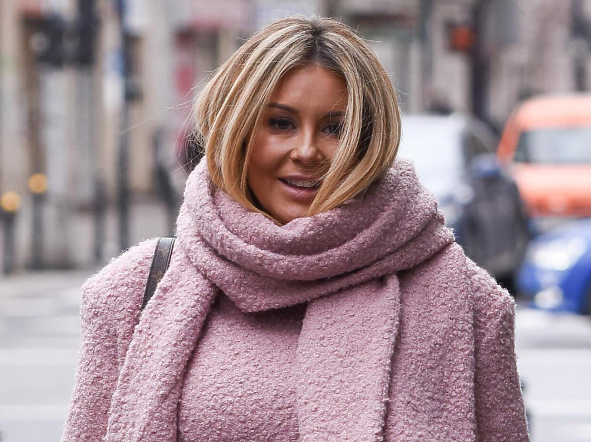 Małgorzata Rozenek w różowym płaszczu