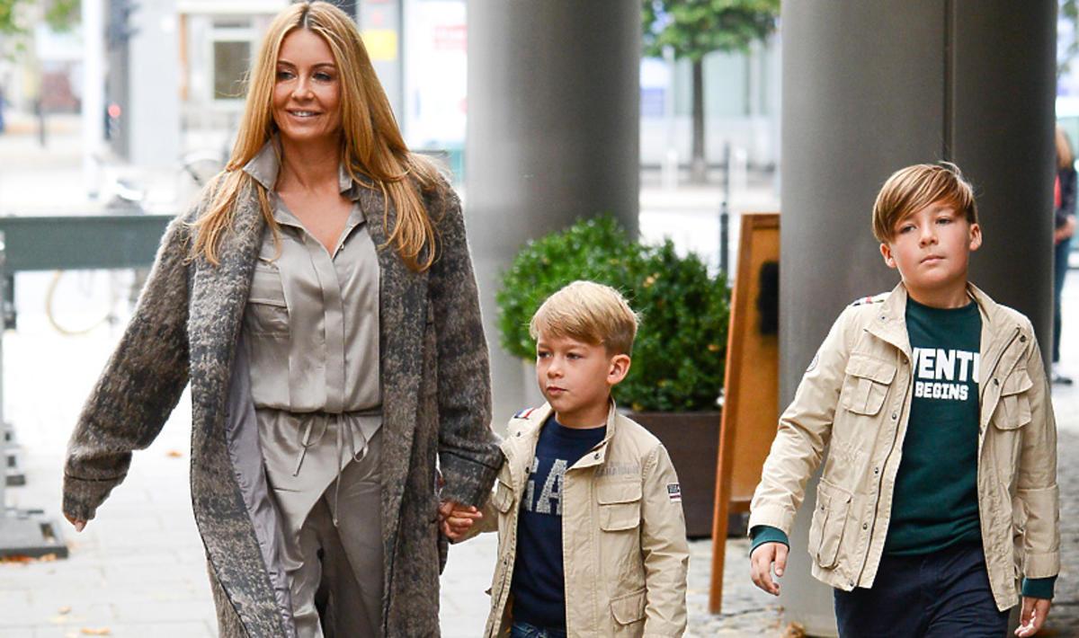 Małgorzata Rozenek z synami wychodzi z DDTVN