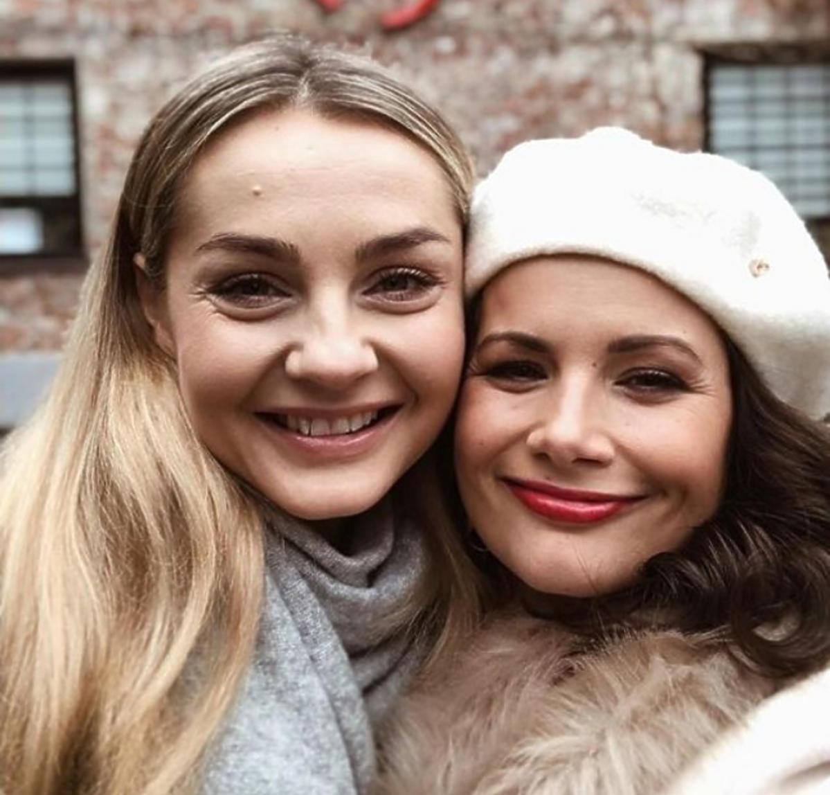 Małgorzata Socha i Agnieszka Sienkiewicz na planie 15. sezonu Przyjaciółek