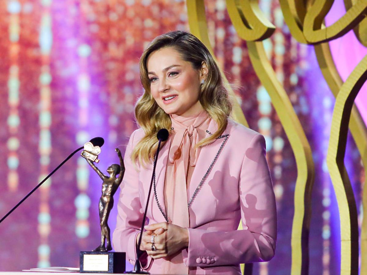 Małgorzata Socha na TeleKamerach 2021 w różowym garniturze