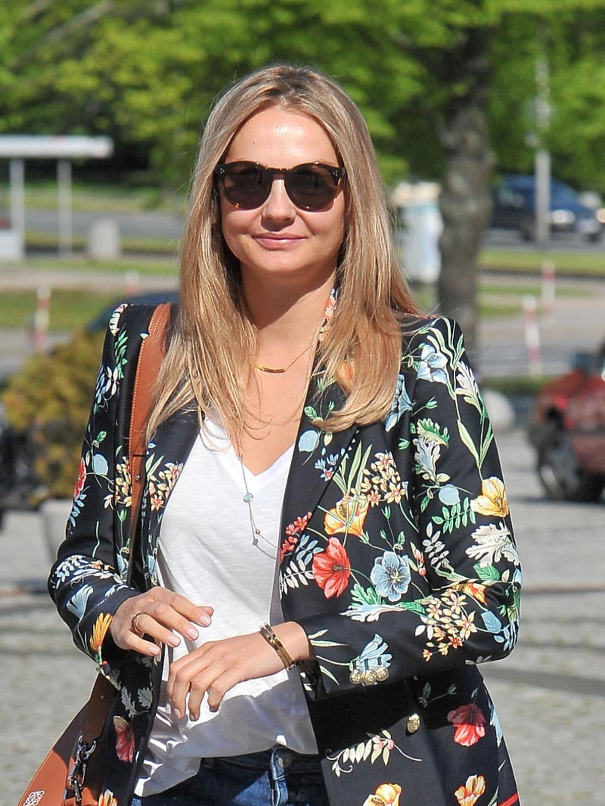Małgorzata Socha pod studiem TVP