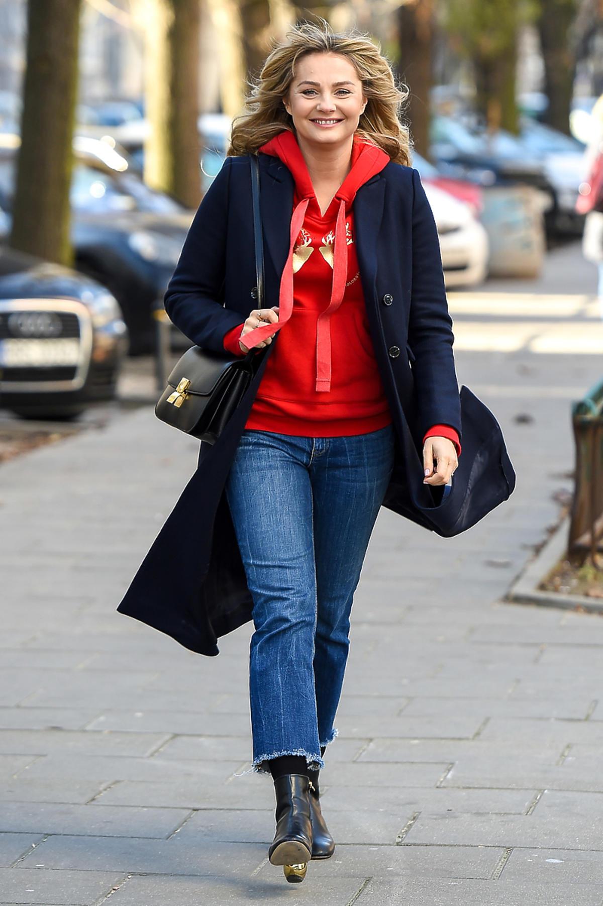 Małgorzata Socha w bluzie