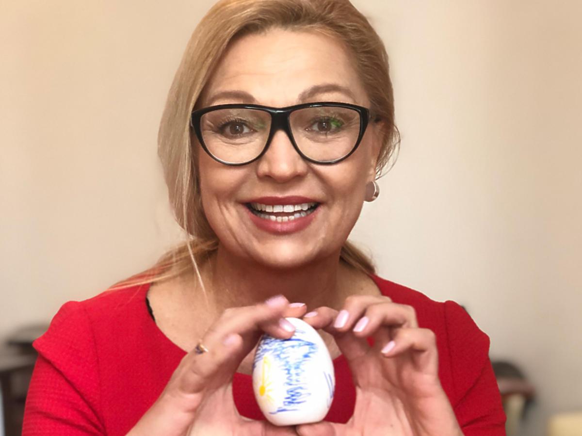 Małgorzata Walewska i jej wielkanocna pisanka na aukcję dla katowickiego Hospicjum Cordis