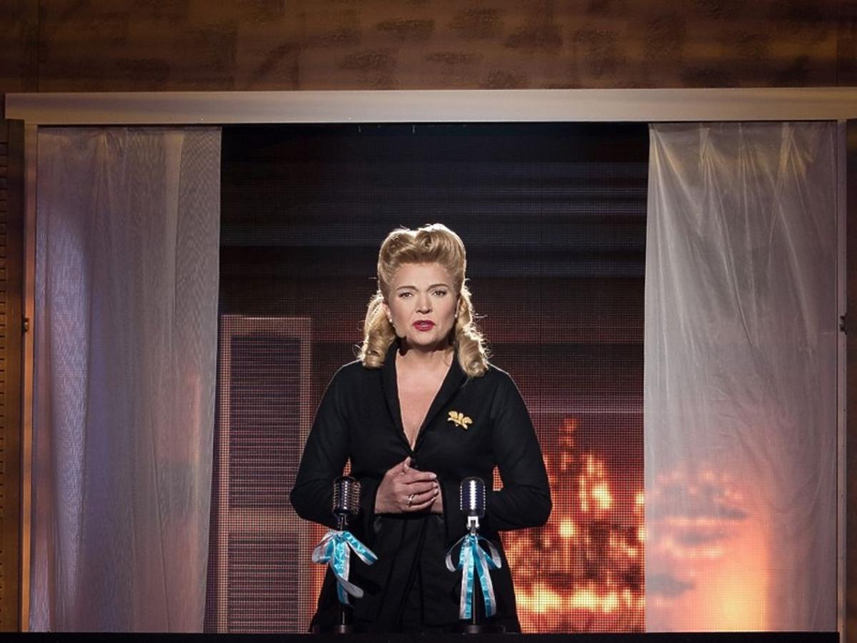 Małgorzata Walewska w czarnej sukni