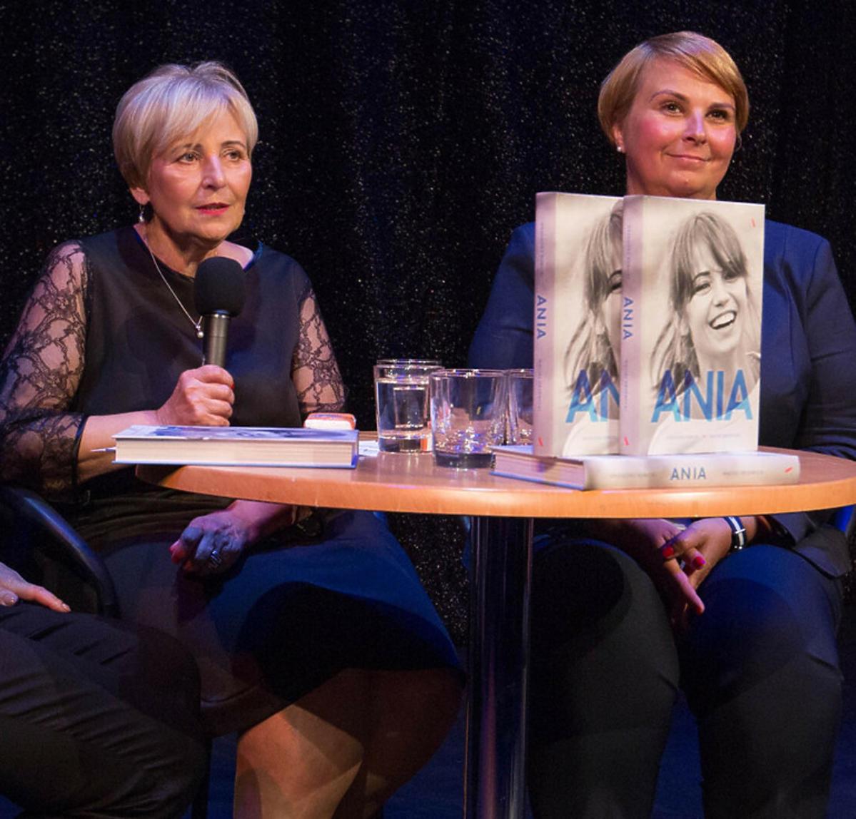 Mama Anny Przybylskiej, Krystyna oraz siostra  Agnieszka