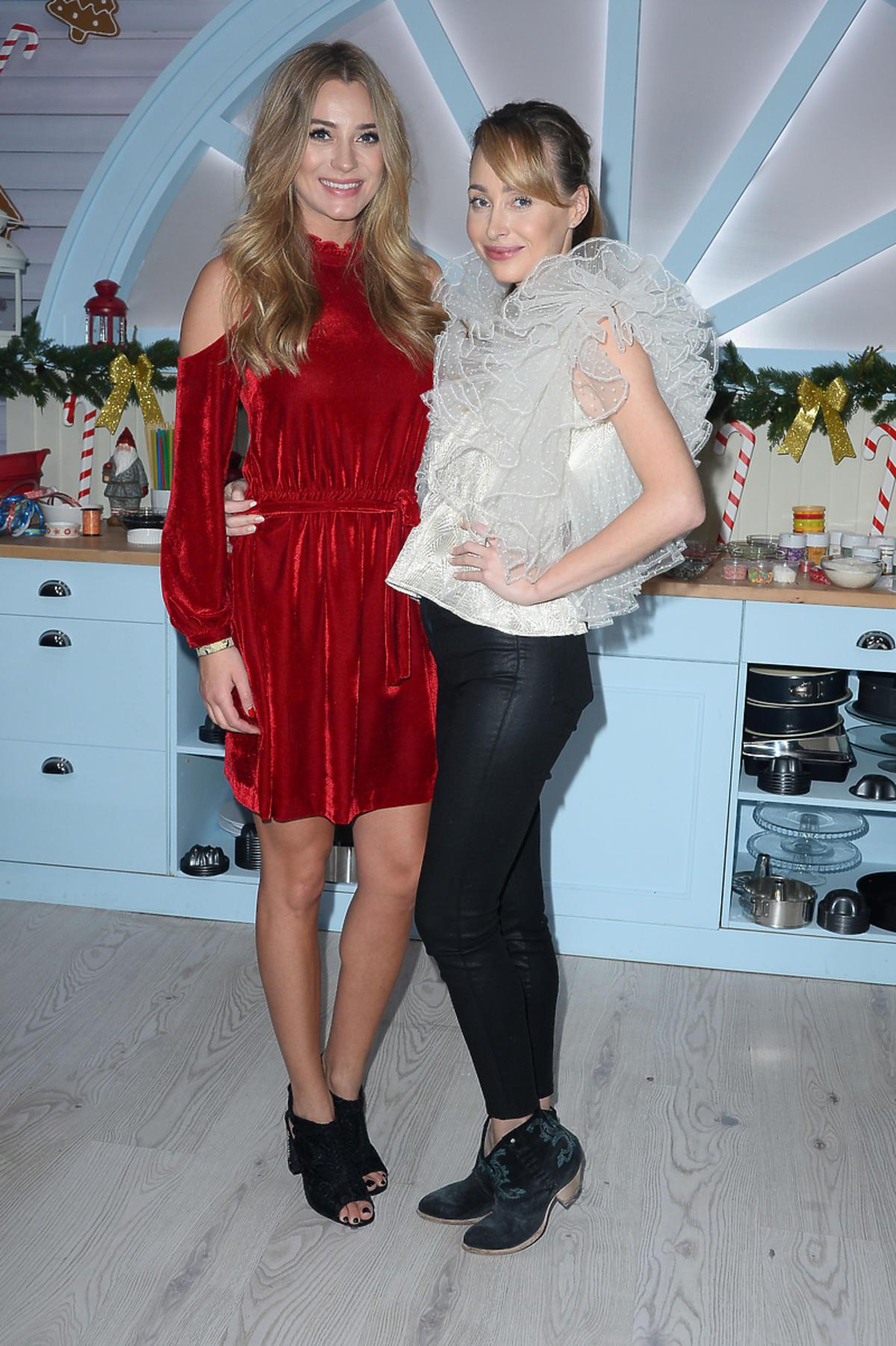 Marcelina Zawadzka z siostrą na planie świątecznego odcinka