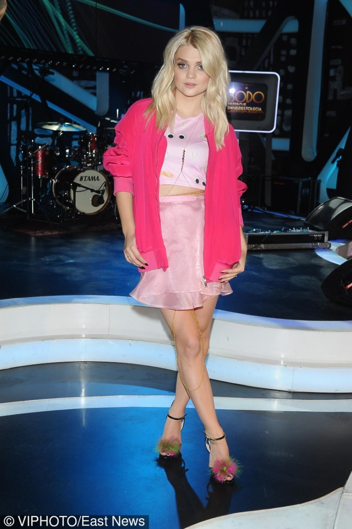 Margaret w różowej bluzce