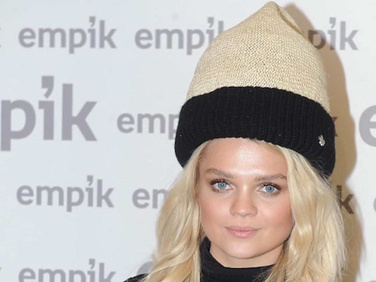 Margaret w wiekiej czapce