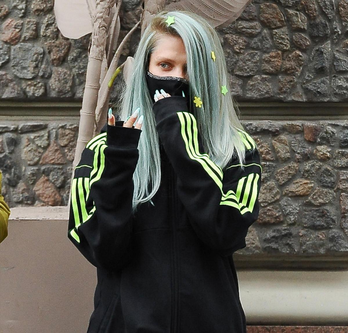 Margaret z zielonymi włosami w gwiazdki