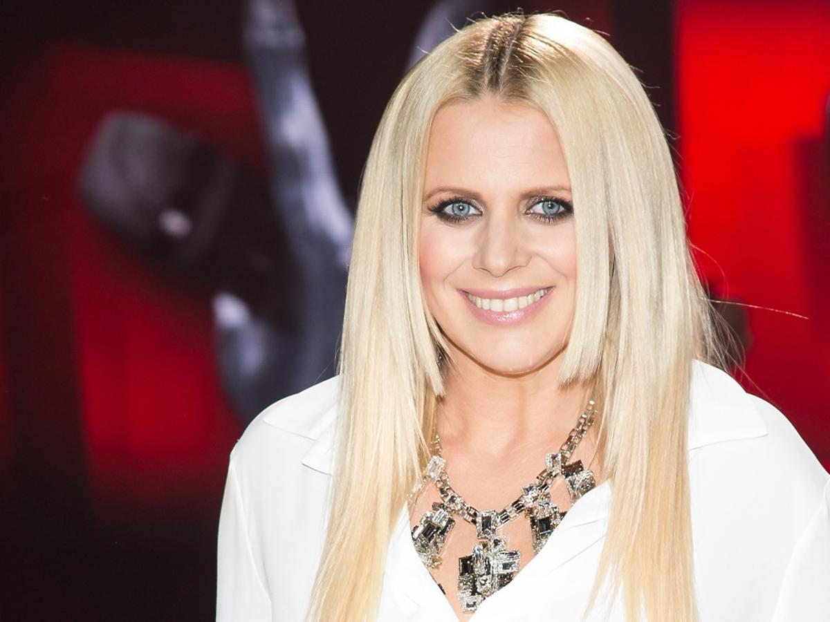 Maria Sadowska w białej bluzce