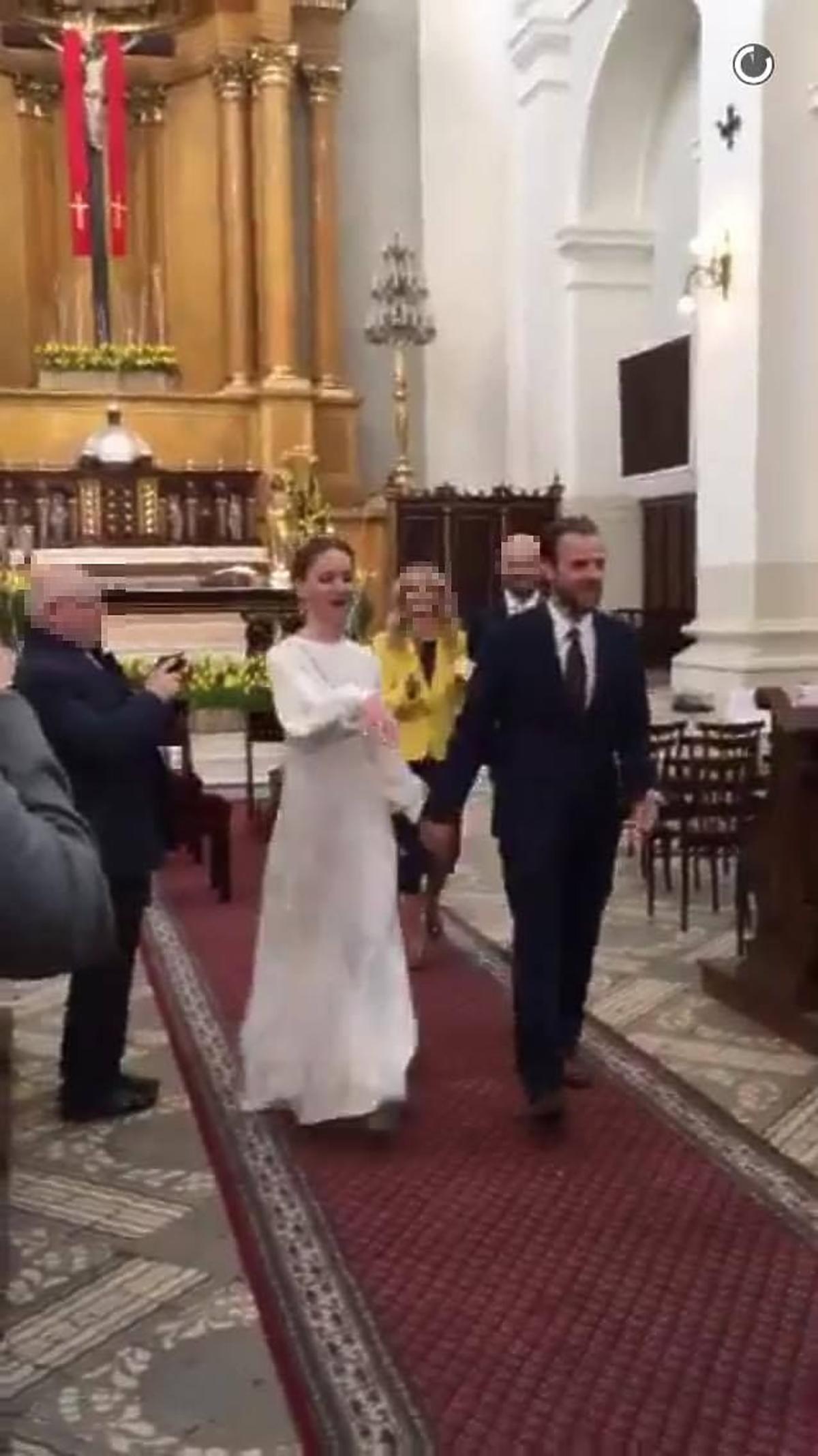 Marika w sukni ślubnej
