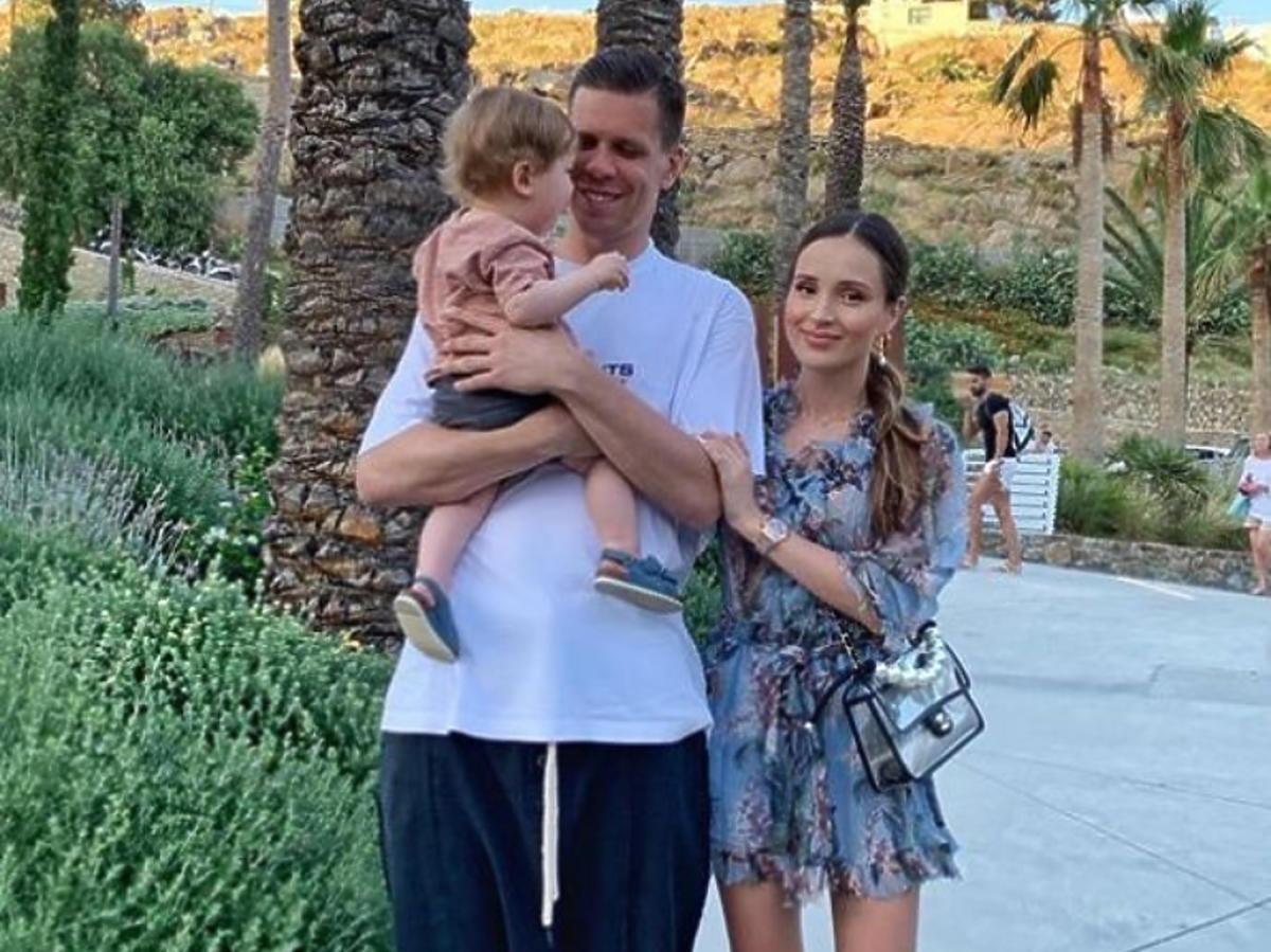 Marina i Wojciech Szczęśni z synem na wakacjach