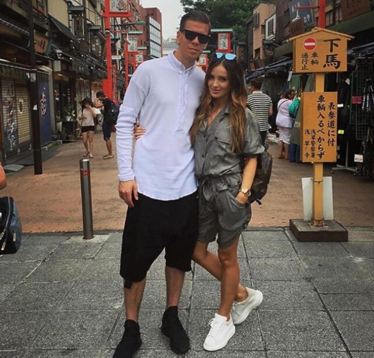 Marina i Wojciech Szczęsny w podróży poślubnej